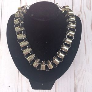 EXPRESS • CHUNKY CHAIN LINK STATEMENT NECKLACE